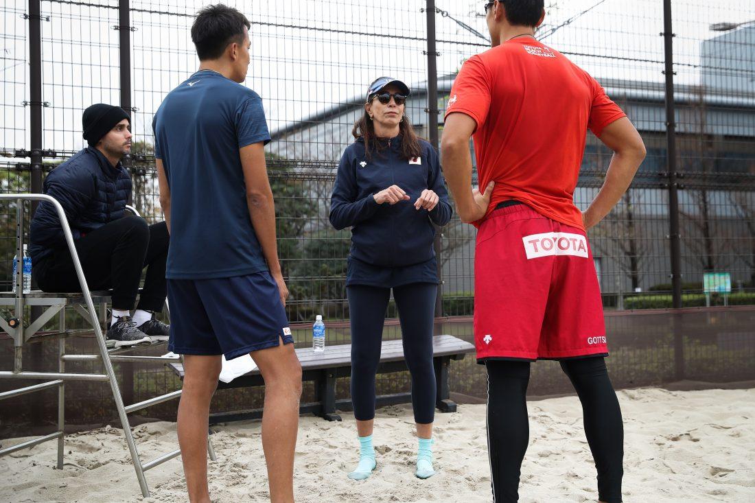 ビーチバレーボール日本代表チーム。新シーズンに向け、強化合宿を開始。