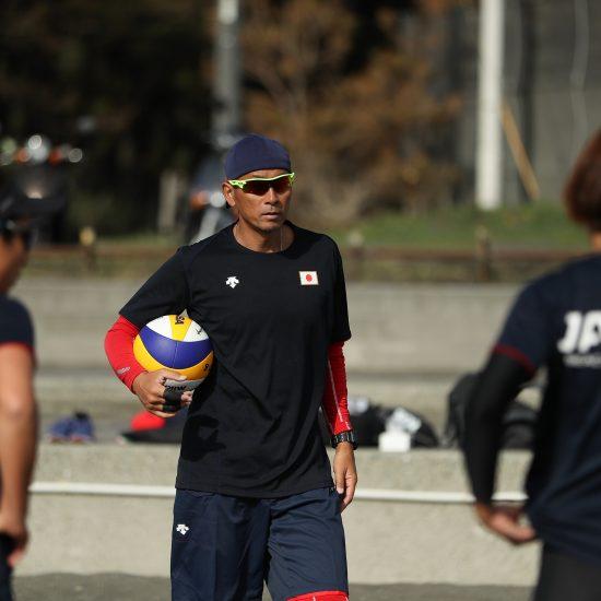 ビーチバレーボールコーチ・スキルアップ研修会、参加者募集。 望月剛氏によるコーチング講習。