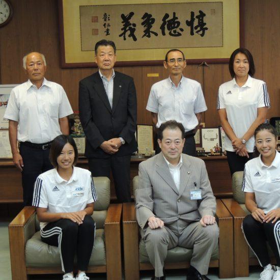 嶋岡会長、坂口/村上組らが表敬訪問。<br>「マイナビジャパンツアー第5戦松山大会」開幕。